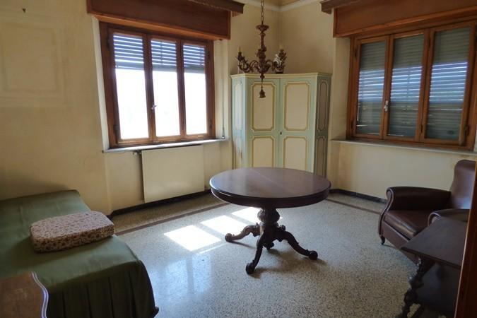 Stabile/Palazzo in vendita a Pontetetto, Lucca