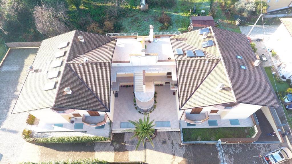 Duplex in vendita a Massa