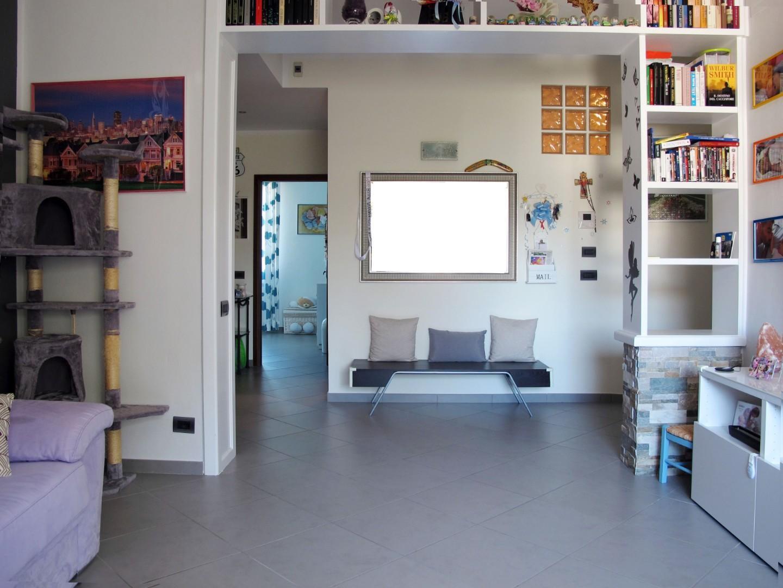 Appartamento in vendita, rif. 8235