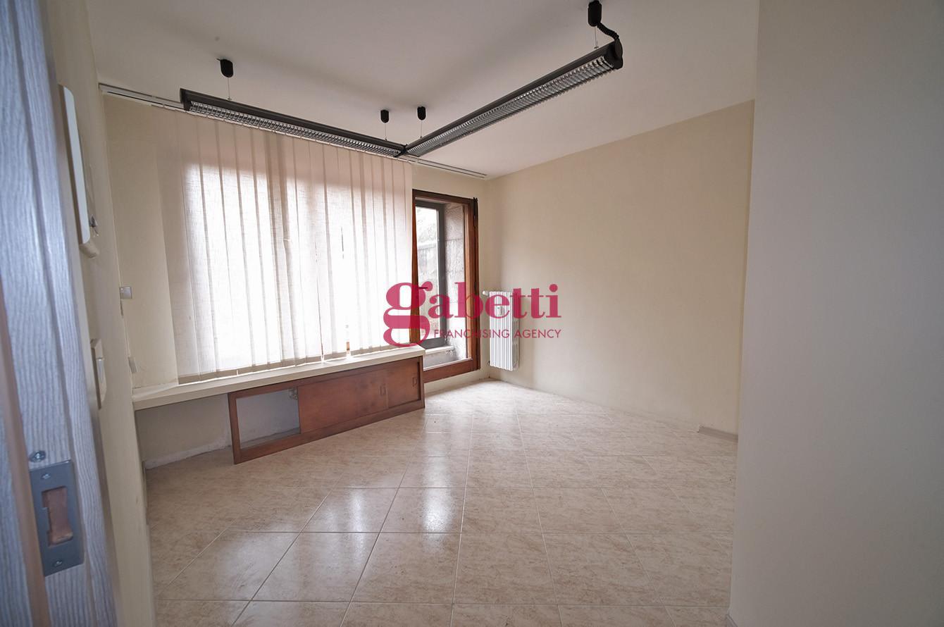 Ufficio in affitto commerciale, rif. L134