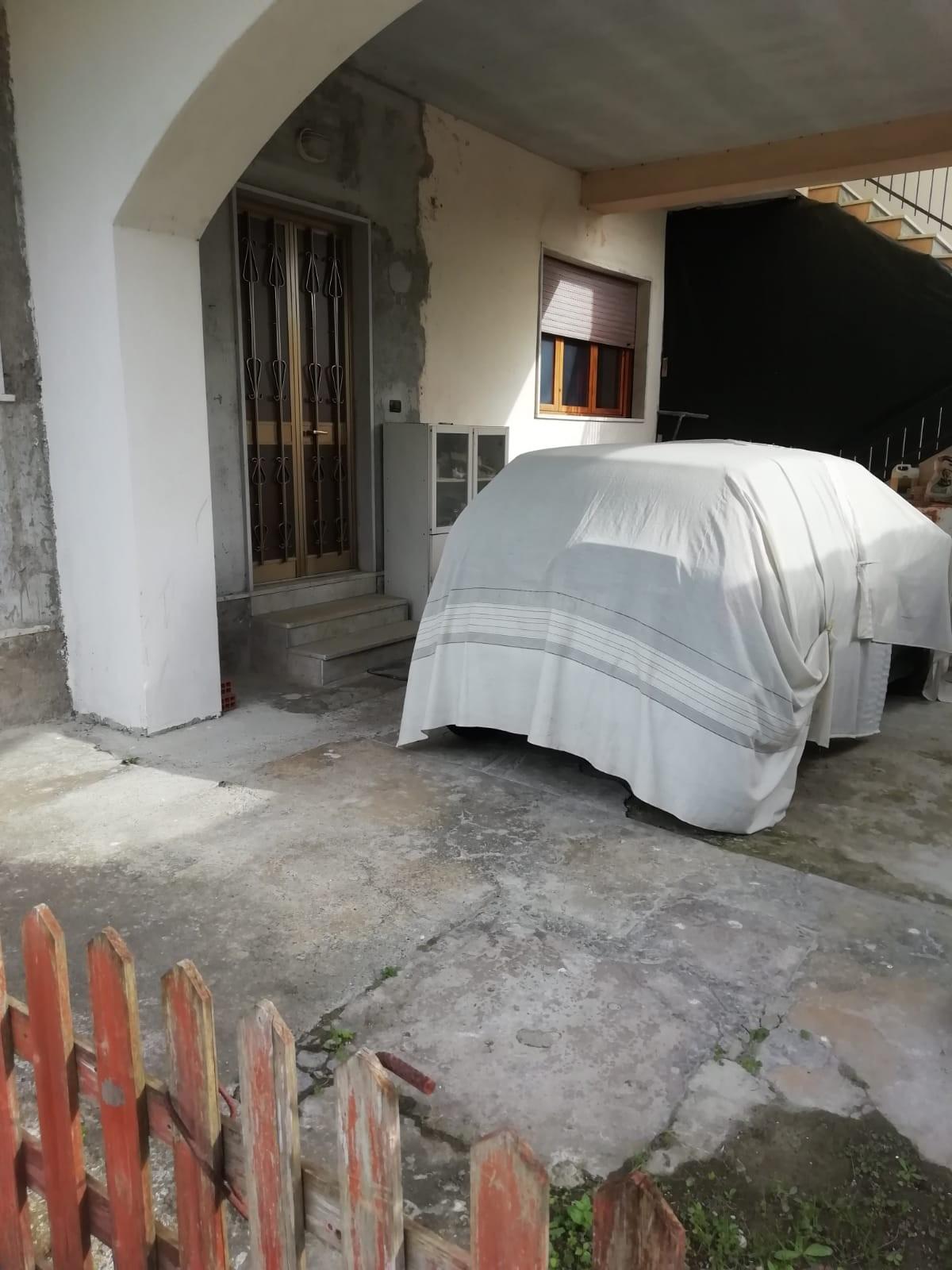 Porzione di casa in vendita, rif. 106850