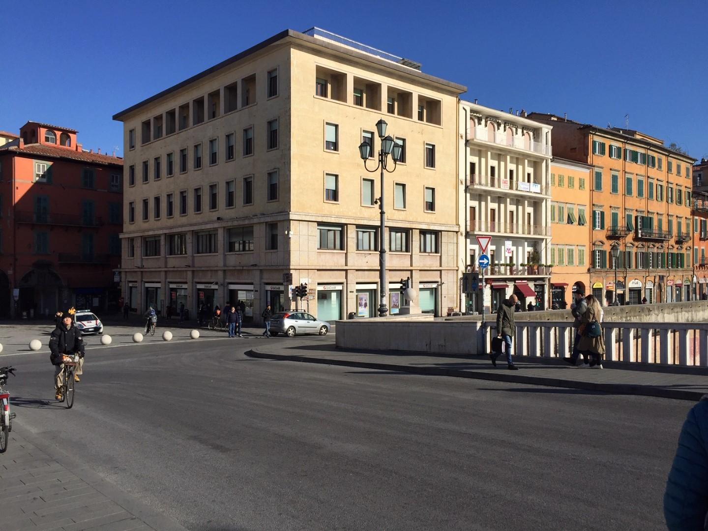 Business mall for commercial rentals in Pisa