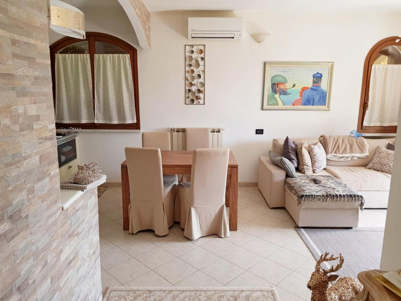 Appartamento in vendita a Marina Di Massa, Massa