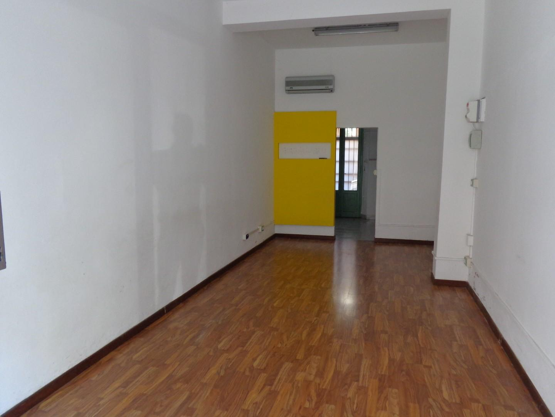 Locale comm.le/Fondo in affitto commerciale, rif. A2411