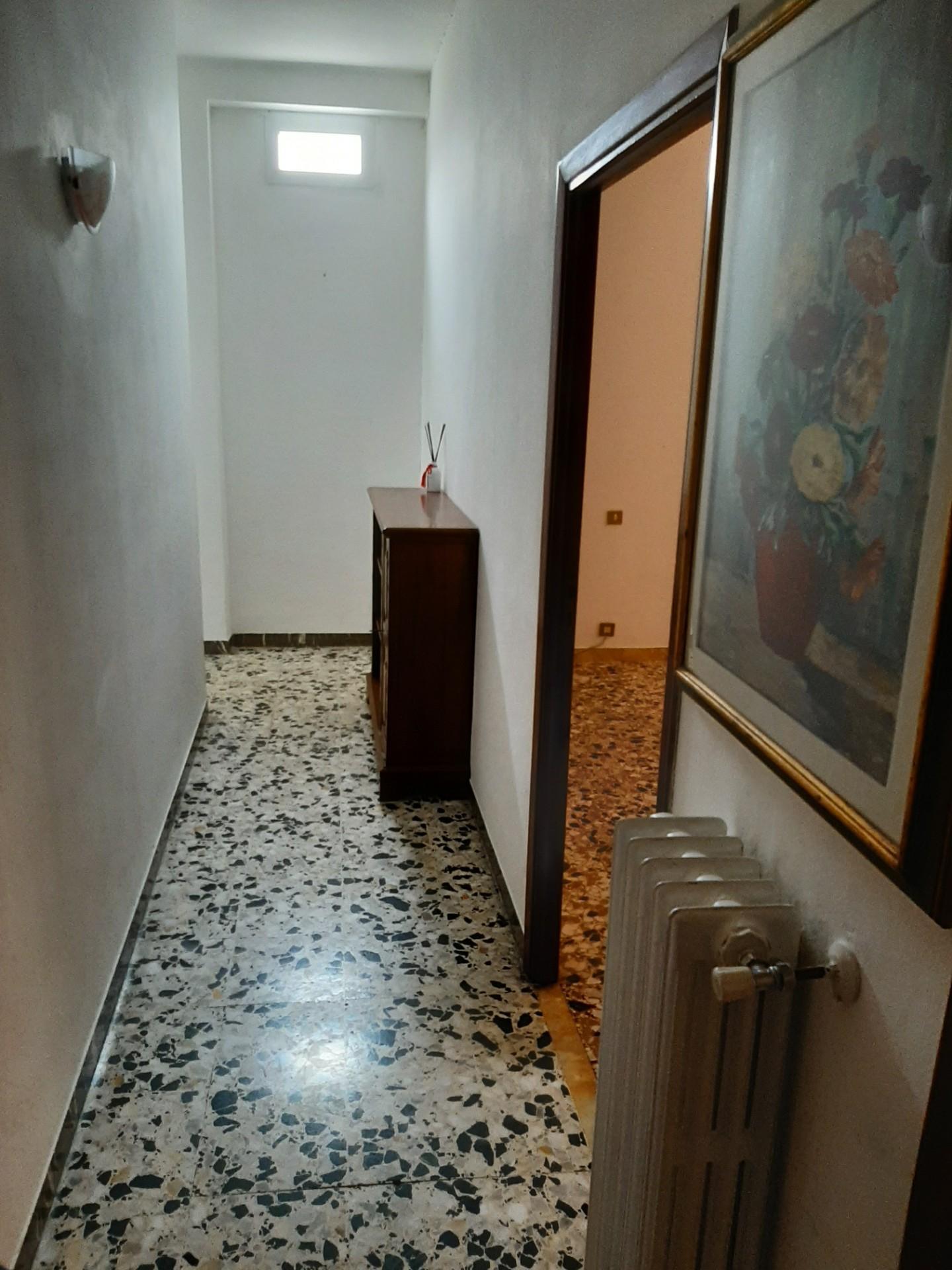 Appartamento in affitto, rif. R/605