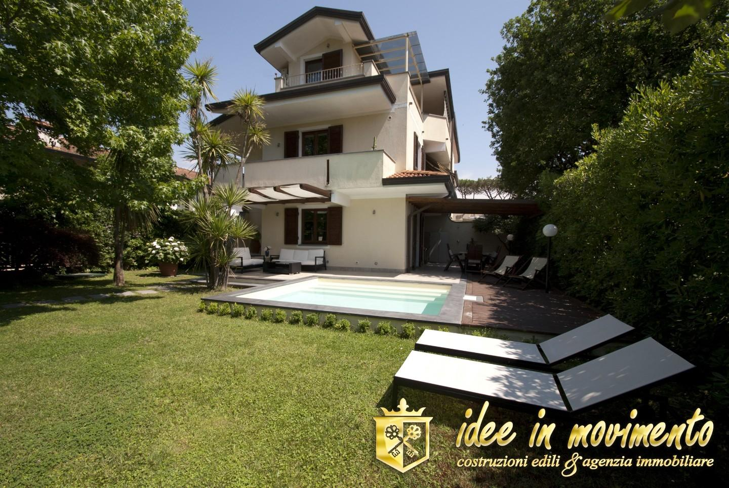 Semi-detached house for holiday rentals in Forte dei Marmi (LU)