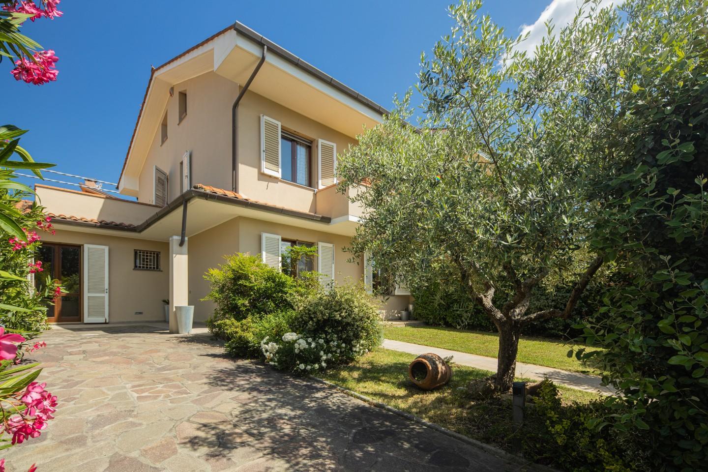 Villetta trifamiliare in vendita a Bientina (PI)