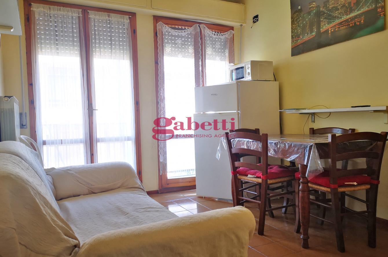 Appartamento in affitto, rif. L102B