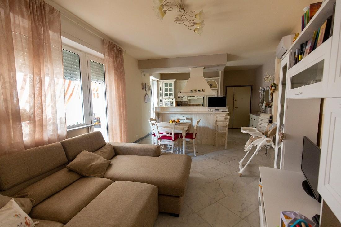 Appartamento in vendita, rif. 400342