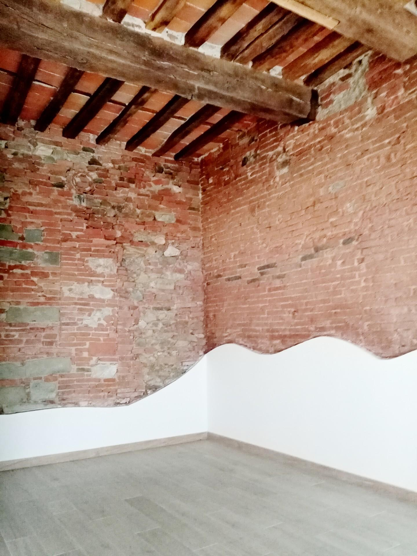 Locale comm.le/Fondo in affitto commerciale, rif. F228