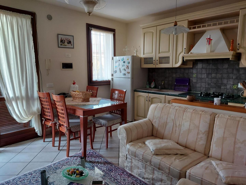 Appartamento in vendita a Larciano, 5 locali, prezzo € 130.000 | PortaleAgenzieImmobiliari.it