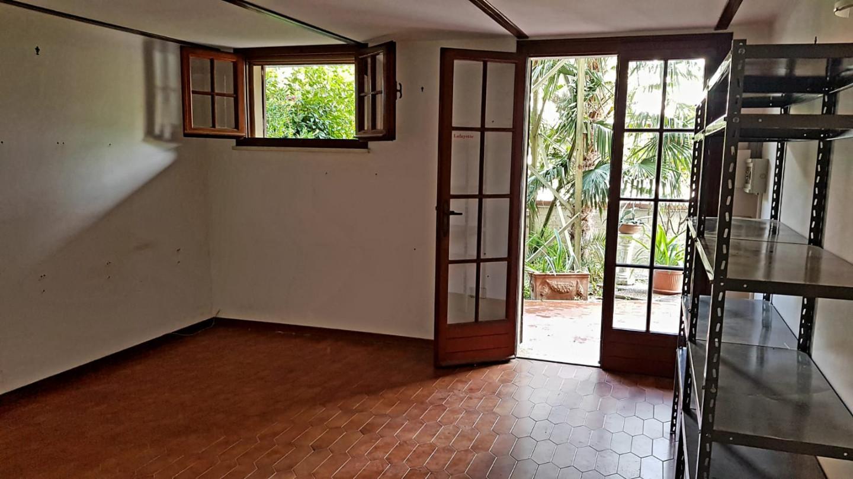 Locale comm.le/Fondo in affitto commerciale, rif. L113.