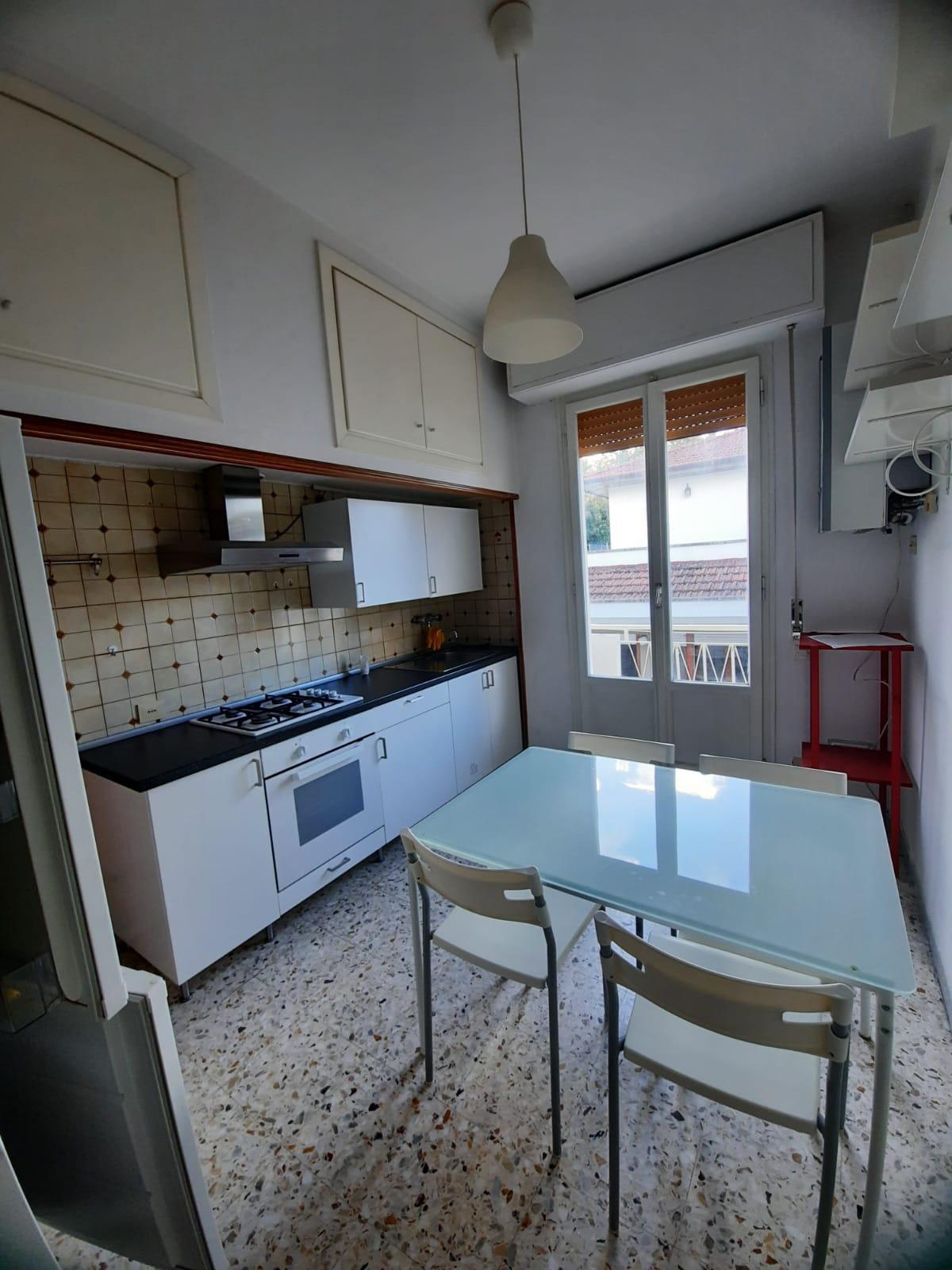 Appartamento in affitto, rif. a39/342