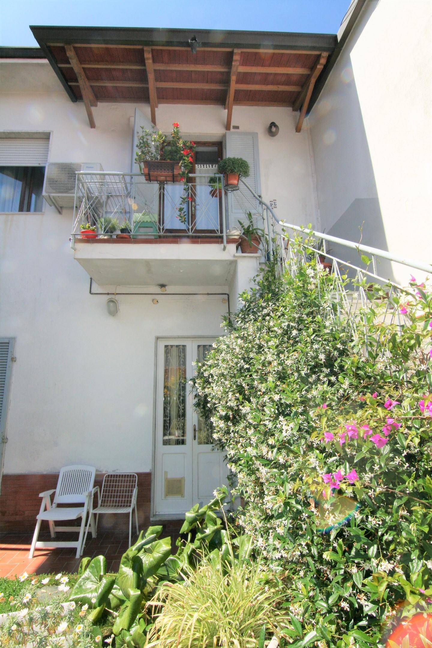 Villetta bifamiliare in vendita, rif. 240