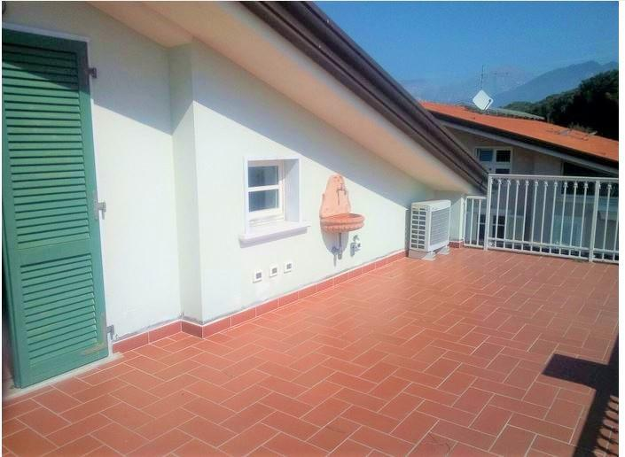 Mansard for sale in Massa