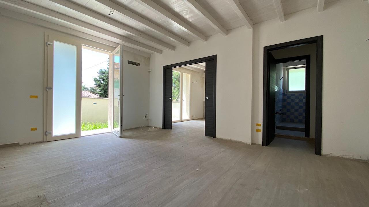 Casa semindipendente in vendita, rif. LOG-451