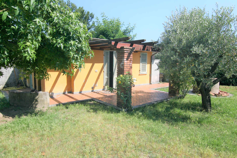 Villa singola - Marina Di Carrara, Carrara (11/28)