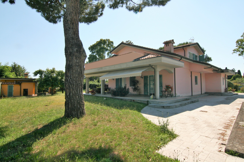Villa singola - Marina Di Carrara, Carrara (10/28)