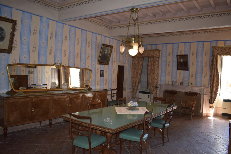 Rustico / Casale in vendita a Castelnovo ne' Monti, 15 locali, prezzo € 295.000 | CambioCasa.it