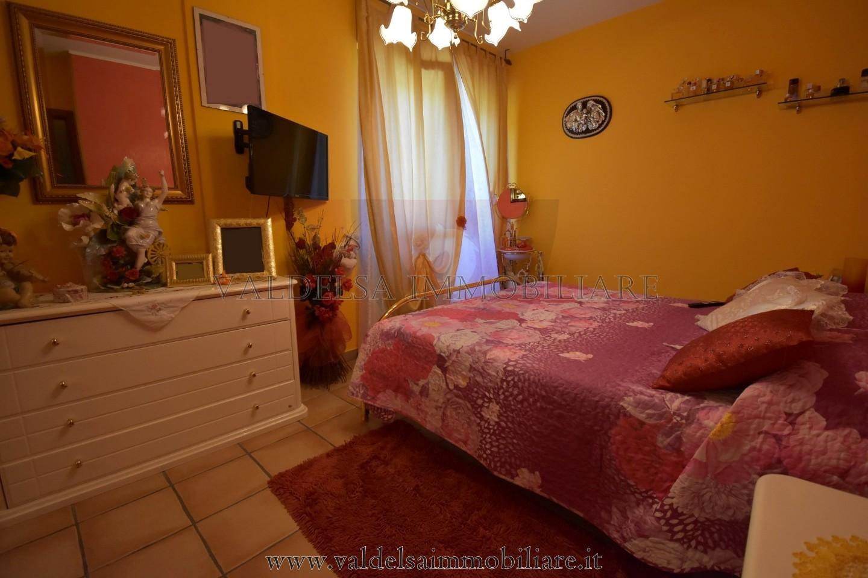 Appartamento in vendita - AGRESTONE, Colle di Val d'Elsa