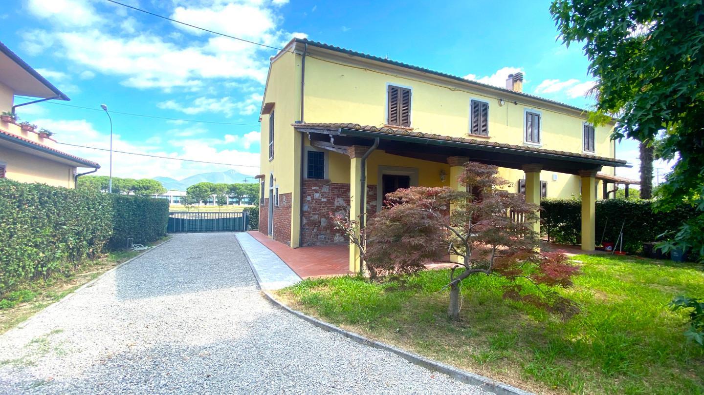 Villetta bifamiliare in affitto a Cascina (PI)