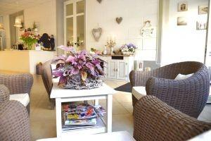 Albergo in vendita a Viareggio, 15 locali, prezzo € 165.000 | CambioCasa.it