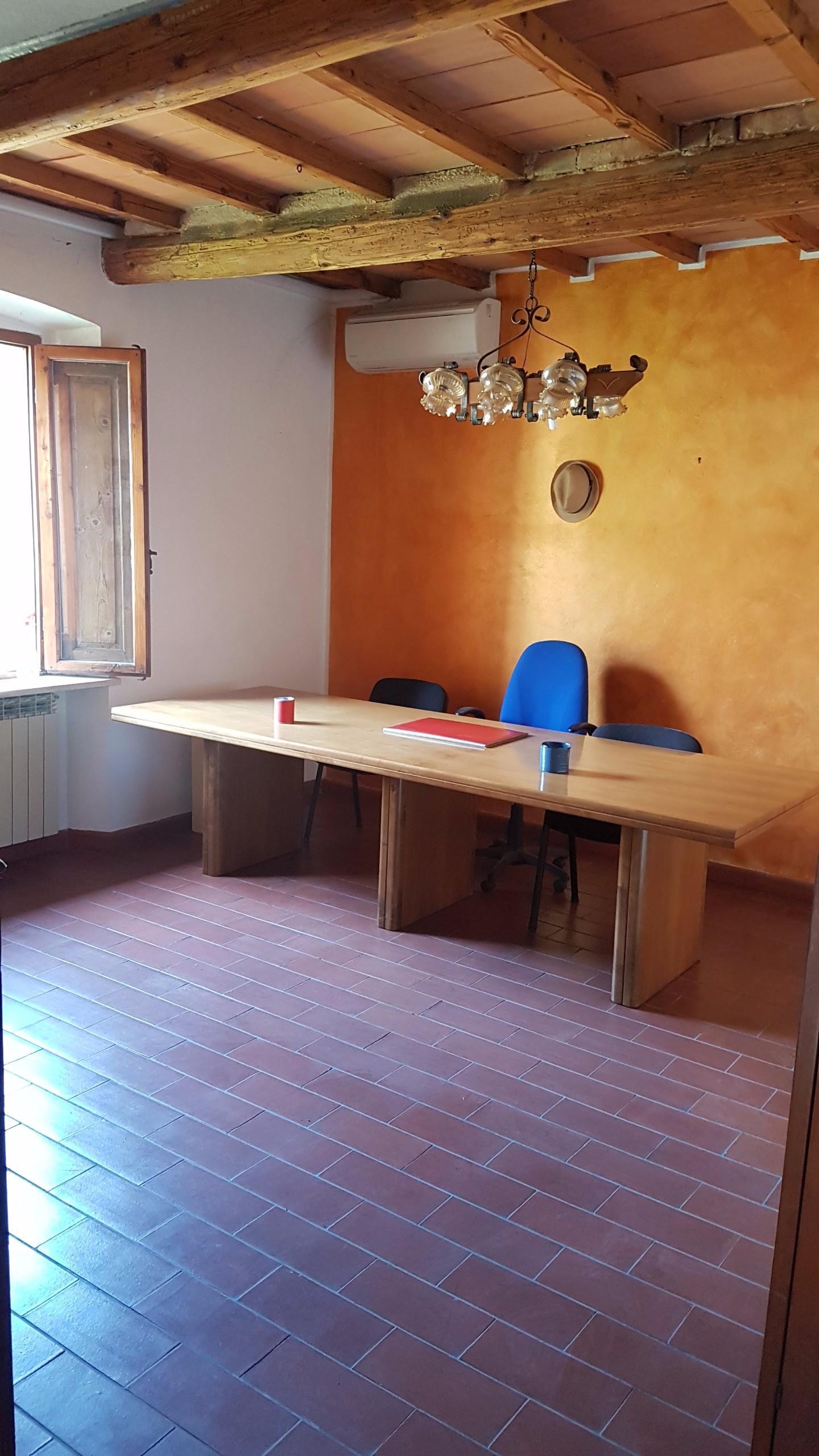 Ufficio / Studio in affitto a Monteriggioni, 1 locali, prezzo € 200 | CambioCasa.it