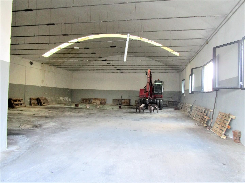Capannone industriale in affitto commerciale a Santa Croce sull'Arno (PI)