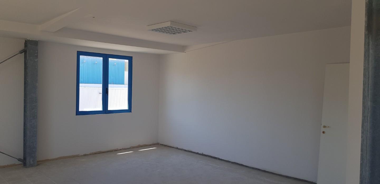 Ufficio in vendita a Guasticce, Collesalvetti (LI)