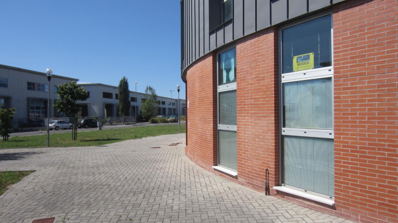 Negozio in vendita a San Giuliano Terme (PI)