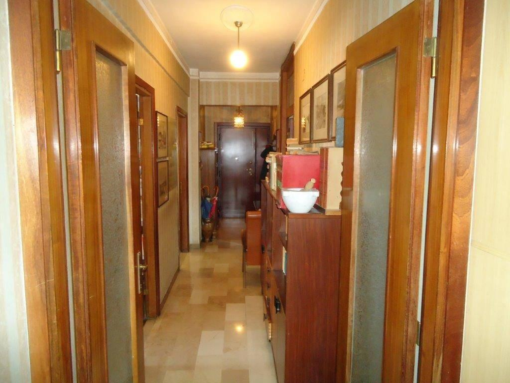 Appartamento in vendita, rif. 5 vani in porta a lucca in 87