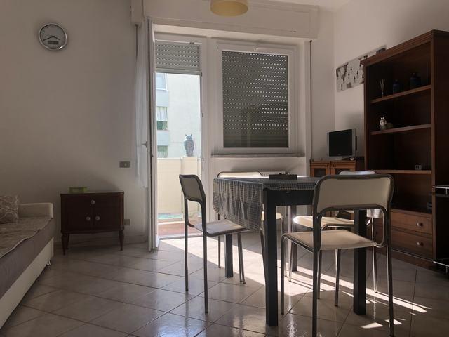 Appartamento in affitto, rif. AD58