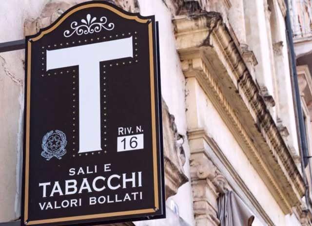 Bar/Tabacchi in vendita a Pietrasanta (LU)