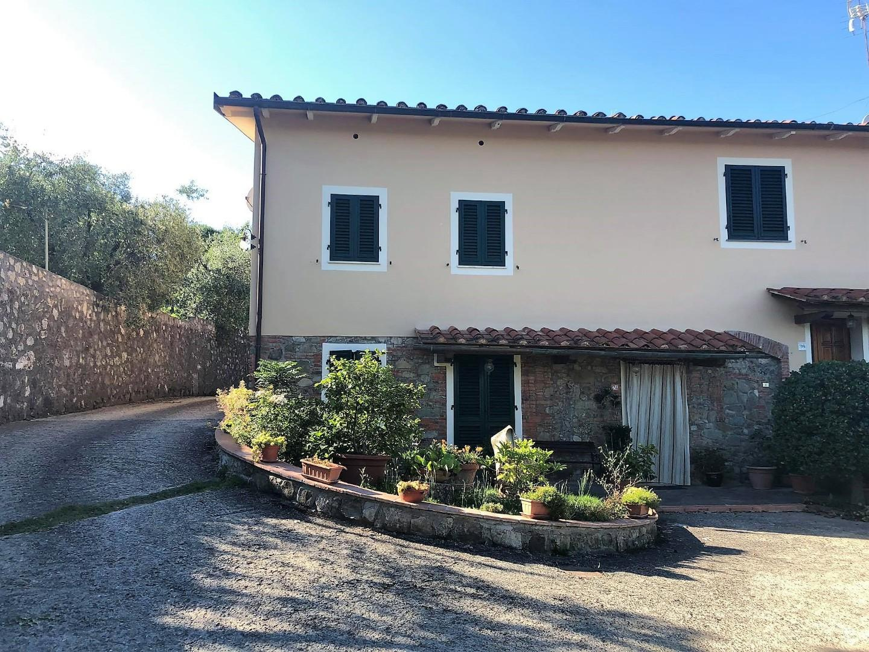 Porzione di casa in vendita a Capannori (LU)