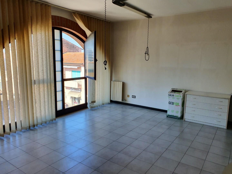Ufficio / Studio in affitto a Ponsacco, 2 locali, prezzo € 550 | CambioCasa.it