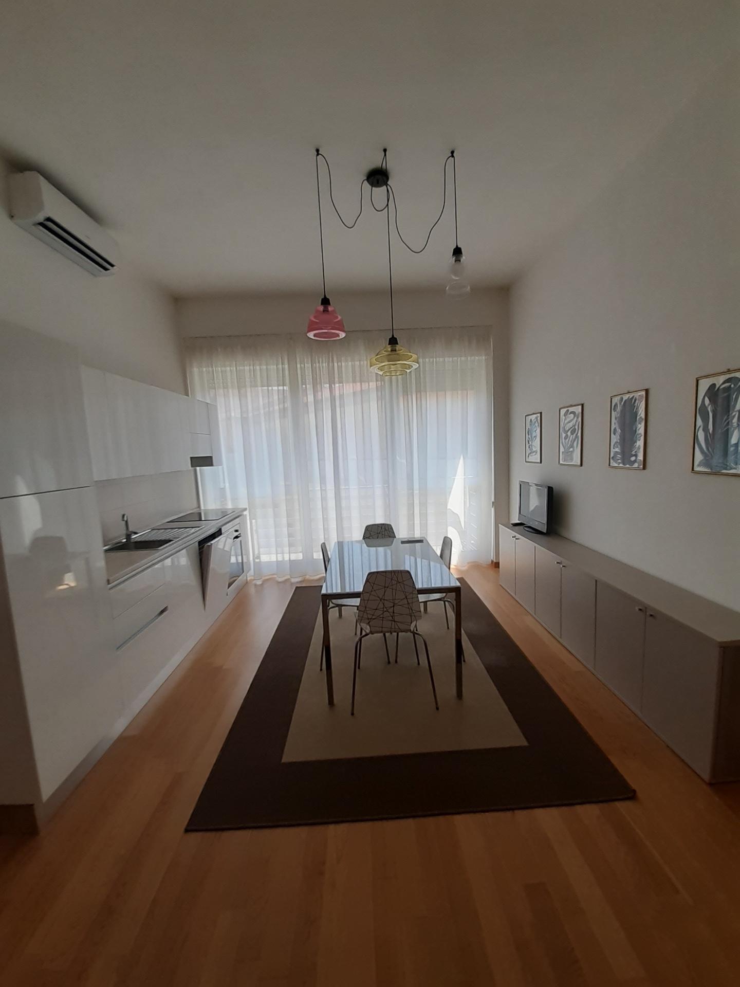 Appartamento in affitto, rif. a39/349