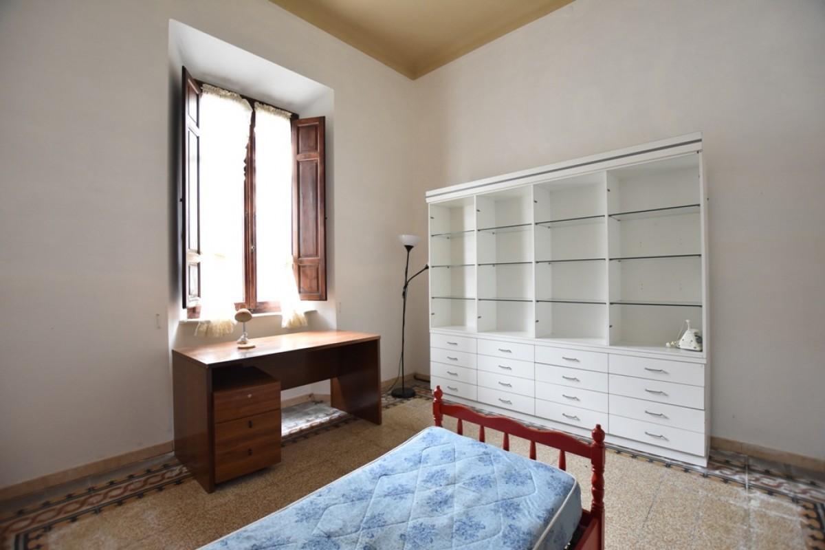 Appartamento in vendita, rif. 6 vani con giardino in porta a l