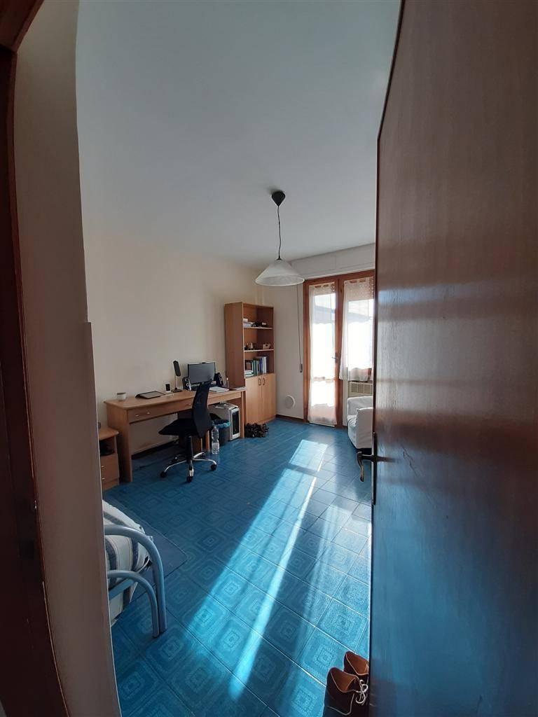Appartamento in affitto, rif. 3 vani arredato in pratale in 88