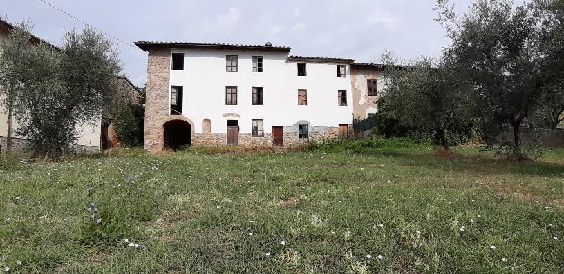Casale in vendita a Montale (PT)