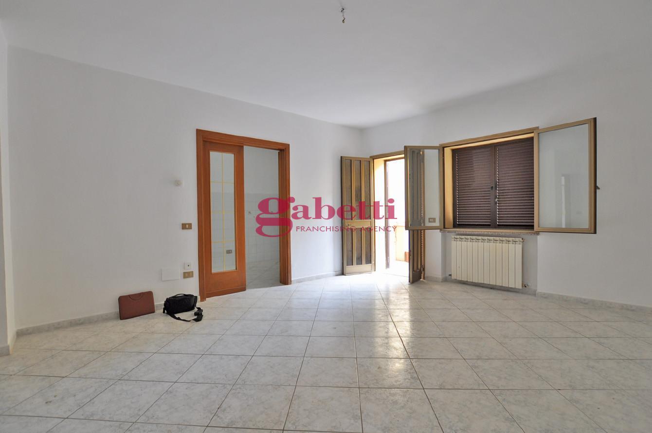 Appartamento in affitto, rif. L156A