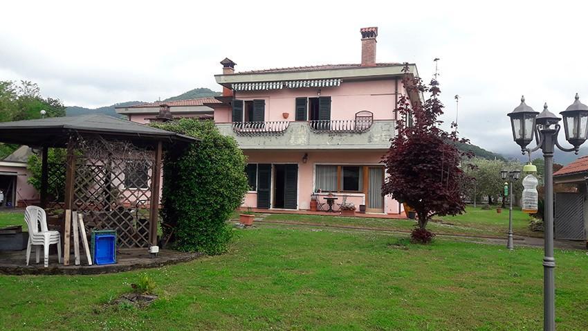 Casa semindipendente in affitto vacanze a Avenza, Carrara (MS)