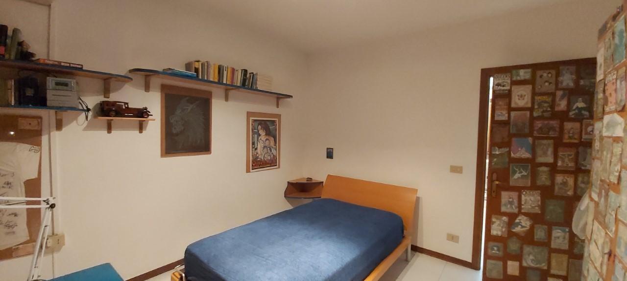 Villetta a schiera angolare in vendita, rif. V1108