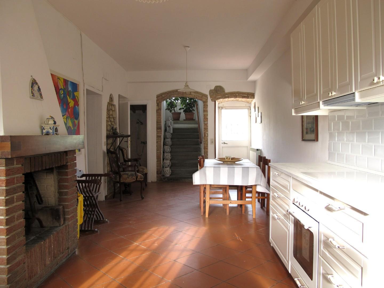 Appartamento in affitto, rif. 8627-05