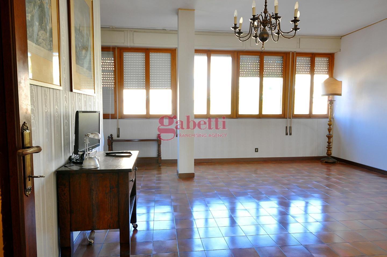 Appartamento in affitto, rif. L160