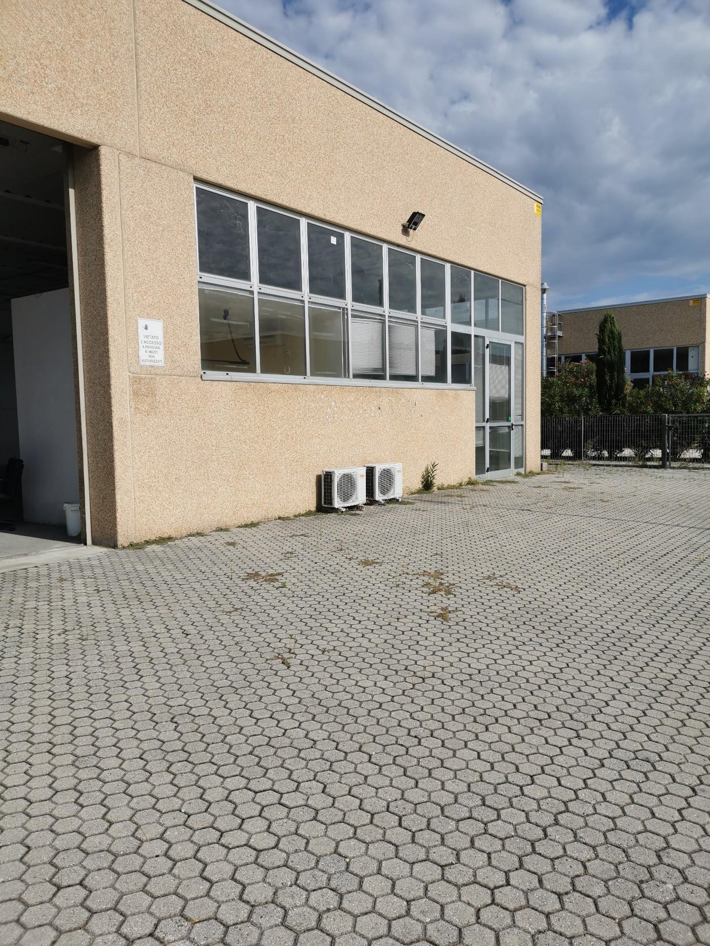 Capannone artigianale in vendita a Ponsacco (PI)