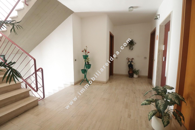Appartamento in vendita, rif. 521