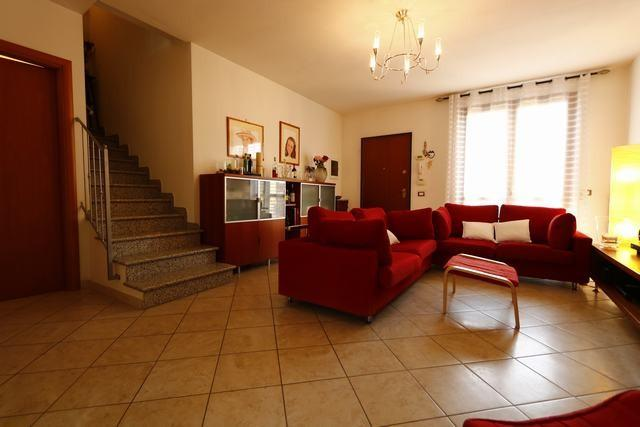 Villetta a schiera in vendita - Latignano, Cascina