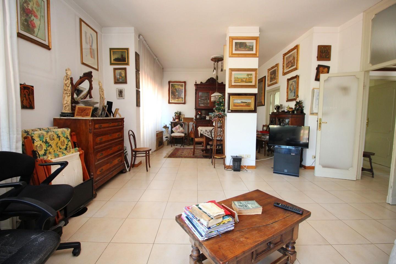 Appartamento in vendita a Siena, 7 locali, prezzo € 395.000 | CambioCasa.it
