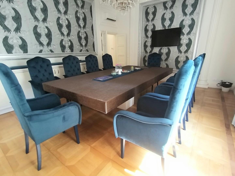 Ufficio in affitto commerciale a Prato