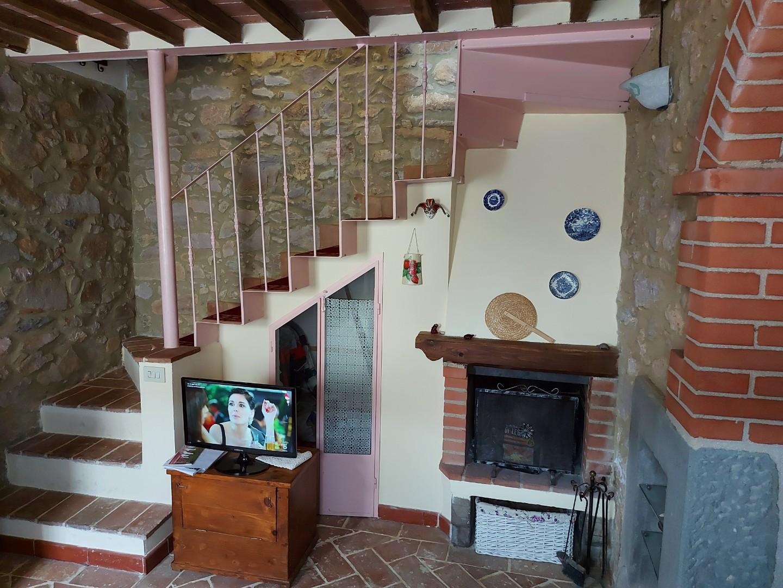 Soluzione Indipendente in vendita a Monticiano, 4 locali, prezzo € 65.000   CambioCasa.it